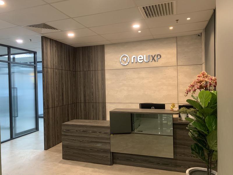 Neuxp office front