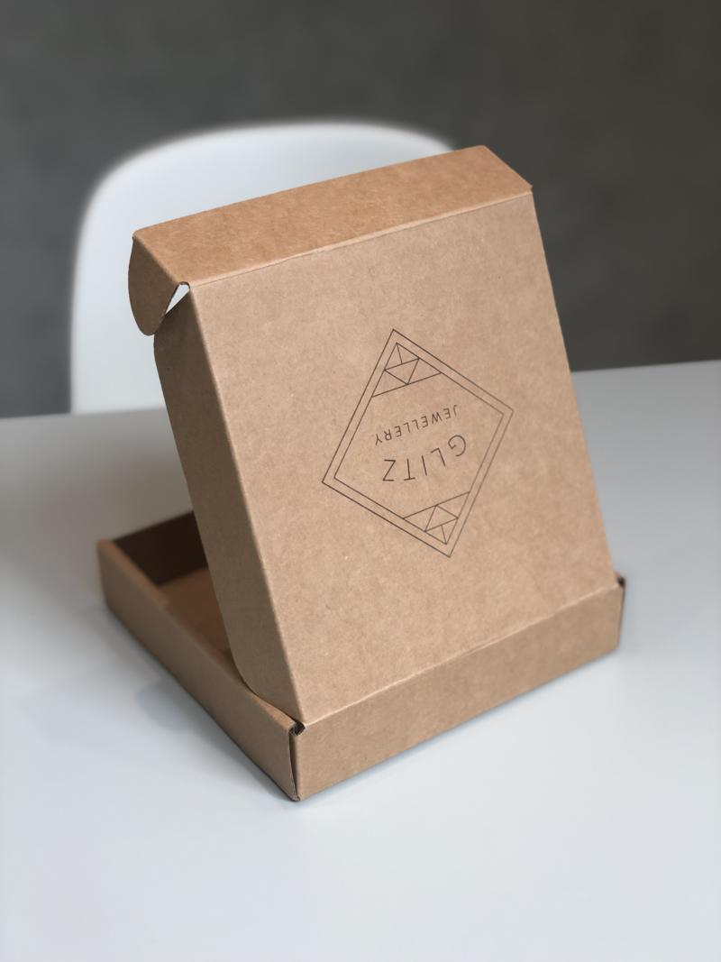 Kraft mailer box glitz lid portrait