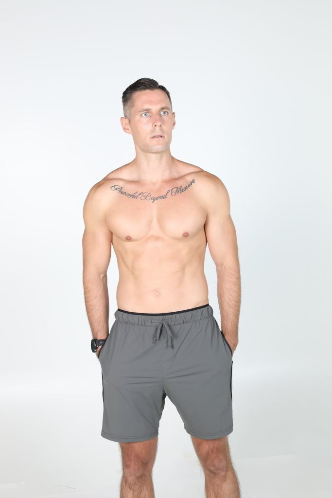 1z4a7612 gray yoga workout shorts front compressed 683x1024